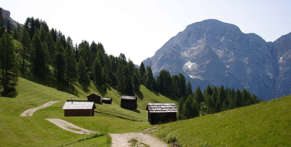 Hiking Village: La Valle in Alta Badia